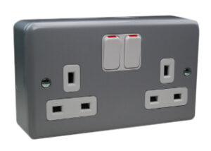 Switched Socket Twin 13 Amp-DP c/w 2 Earth Terminals + Neon